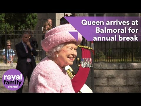 Queen arrives at Balmoral for annual break