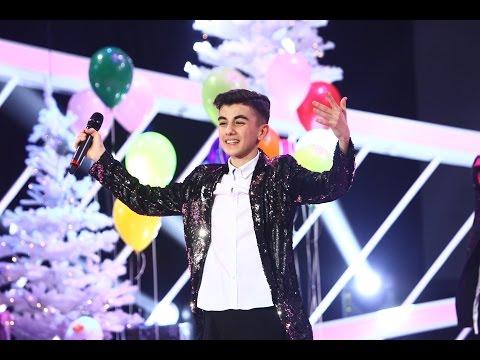 Omar întreține petrecerea pe scena Next Star! Artistul ridică publicul în picioare cu piesa sa