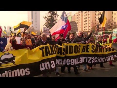 afpes: Taxistas en Chile marchan contra Uber y Cabify