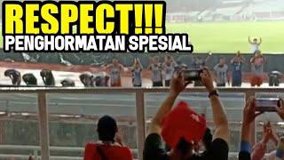 Download Video RESPECT!! PEMAIN JEPANG U19 KELILING LAPANGAN BERI PENGHORMATAN SPESEIAL PADA 70k SUPORTER INDONESIA MP3 3GP MP4