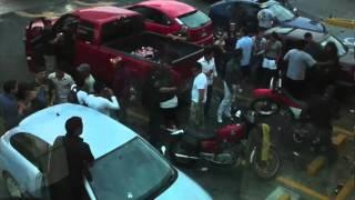 Repeat youtube video Pelea de Borrachas