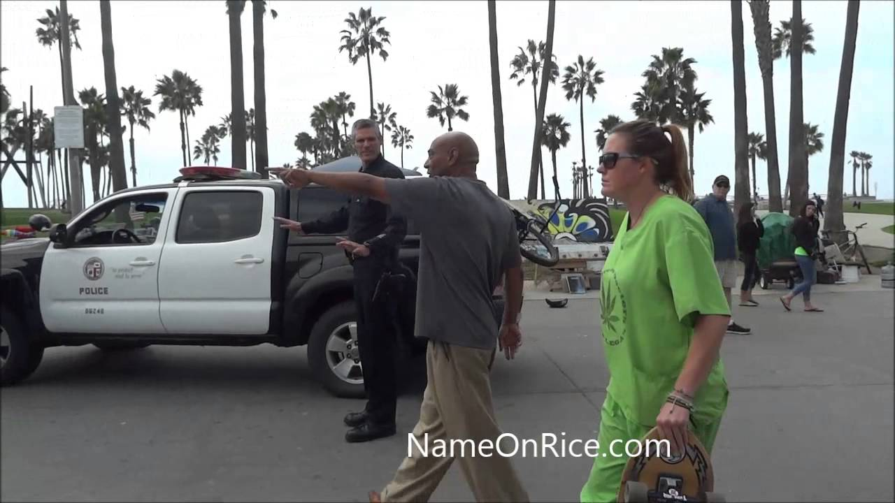 Green Doctor Worker Gets Handcuffed For Riding Bike On Boardwalk Venice Beach Ca Oct 23 2017