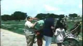 kuwara baapMain Hoon Ghoda Ye Hai Gaadi Kishore Kumar Kunwara Baap.