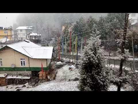 Heavy snow fall at lachung at january fast week 2017