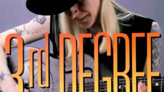 Watch Johnny Winter Broke And Lonely video