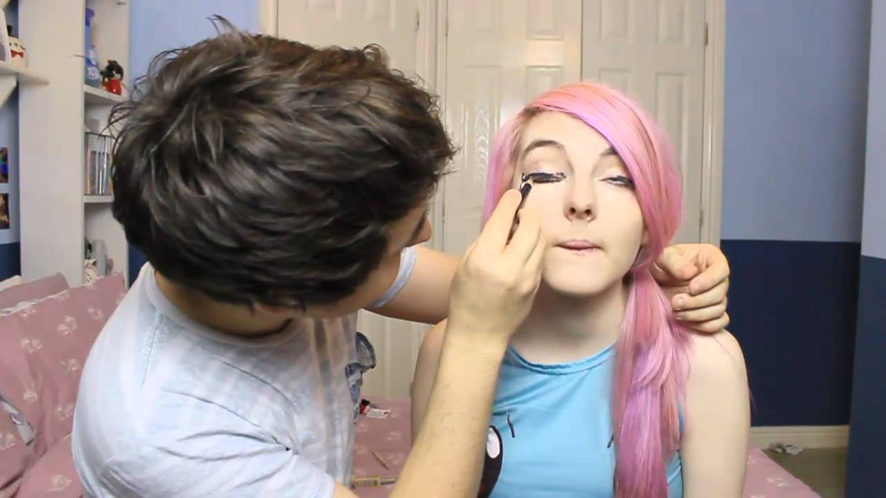 my boyfriend does my make up youtube