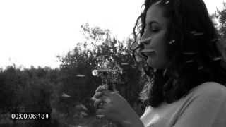Gambar cover Dandelion Flower - slow motion with 550D