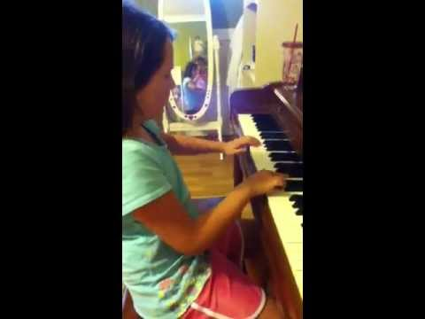 Victoria Carroll playing Tarantella on piano