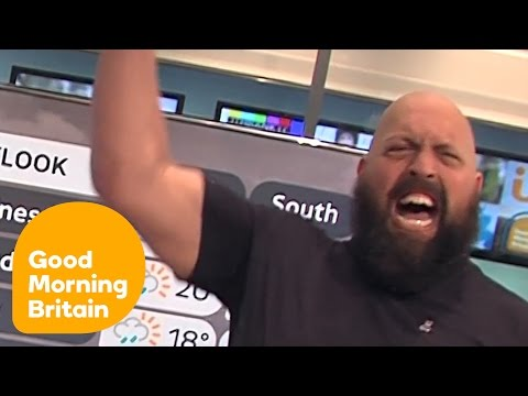 Wrestling Legend Big Show Does The Weather! | Good Morning Britain