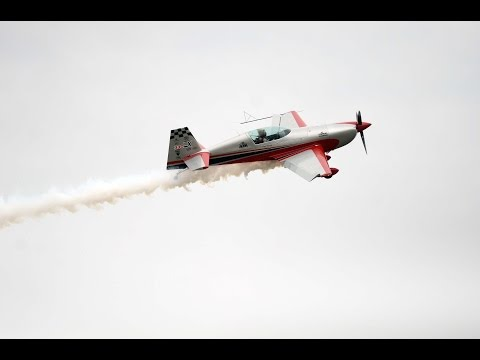 Aerobatic pilot Patty Wagstaff performs at Beaufort Air Show