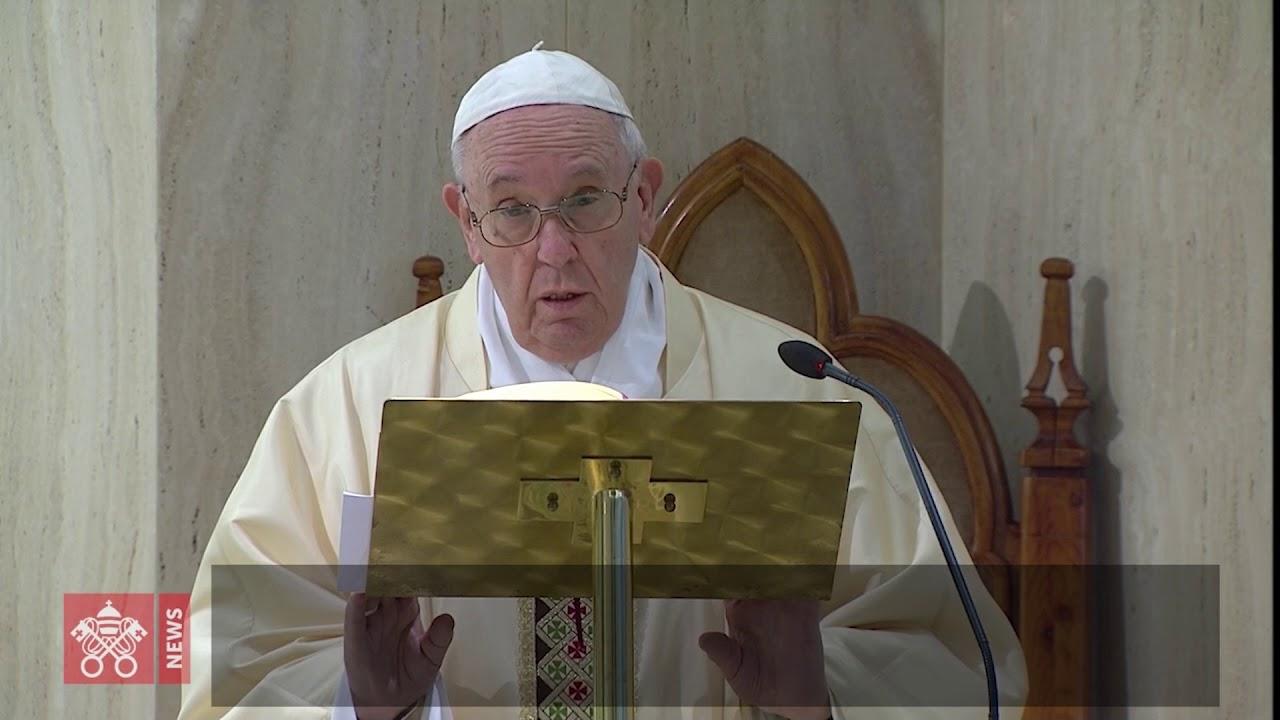 O Papa reza pelas famílias em crise e pela conversão dos agiotas que as fazem passar fome
