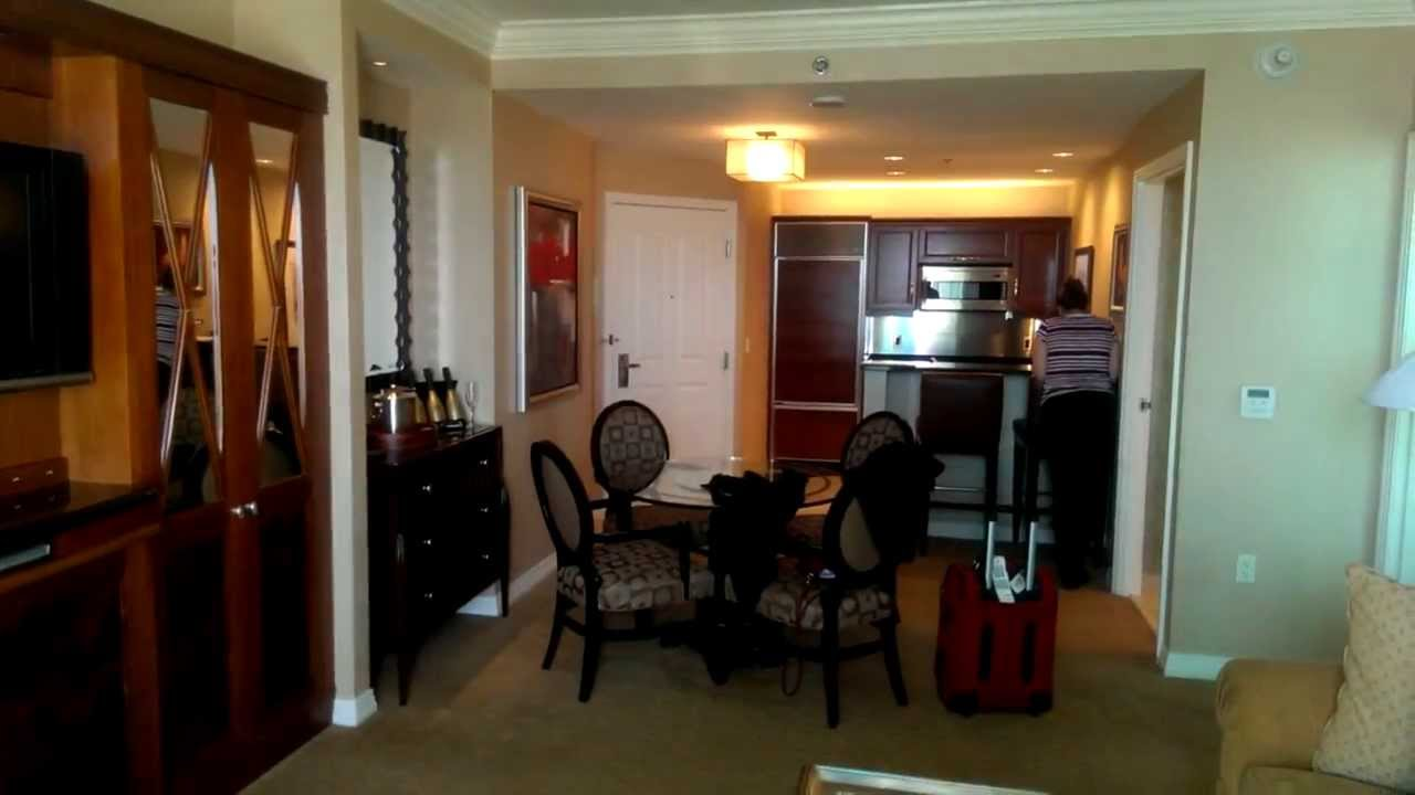 MGM Signature: One bedroom suite w/ balcony - YouTube