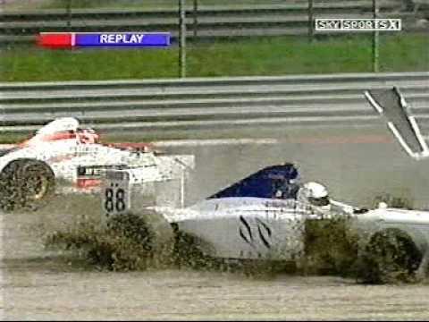 Daniel Tapinos hits John Embiricos Formula Palmer Audi at Monza 2005