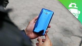 HTC U 11 hands on  HTC's true 2017 flaghsip!