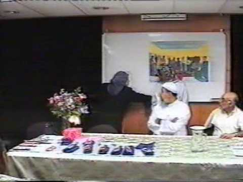 IPCI Journalism Graduation 18March2004.4