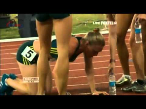 Sally Pearson collapses after 4x400m relay
