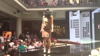 Banana Republic Fashion Show at The Fall Fashion Event Thumbnail