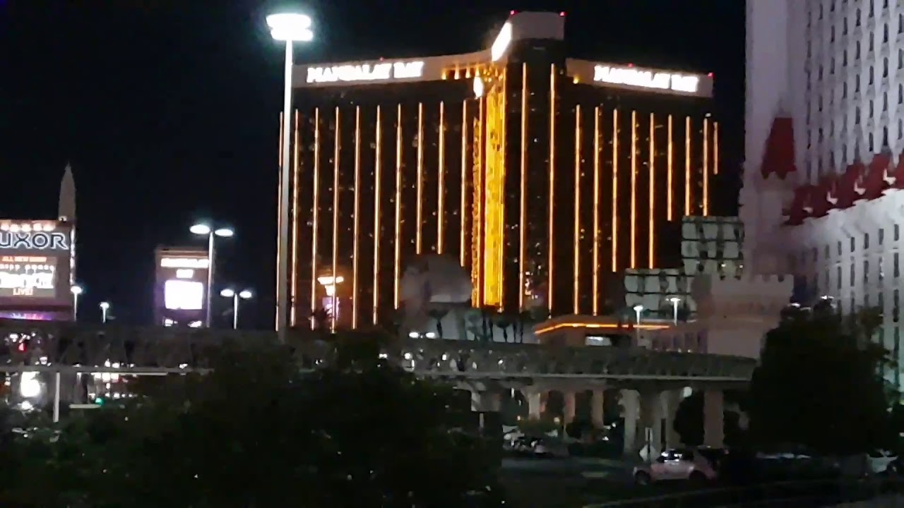 Helicopter chasing SHOOTER in MANDALAY BAY in LAS VEGAS! SHOOTING IN LAS  VEGAS!
