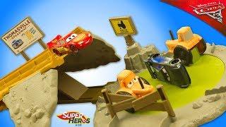 Disney Cars 3 Piste Entrainement  Ntensif Tractor Challenge Track Set Flash McQueen Jouet Toy Review