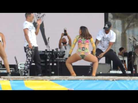 Anitta - Bumbum Granada Wet&39;n Wild - 231016