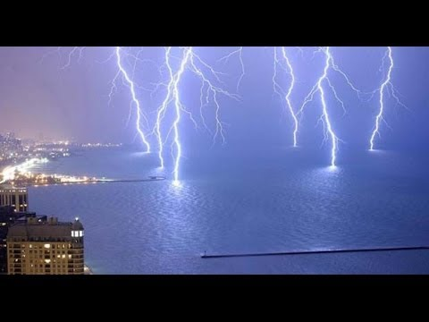 Strong lightning storm in Spain - HD