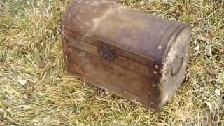 Kids Find Treasure Chest!! Must See!! Big Surprise!!