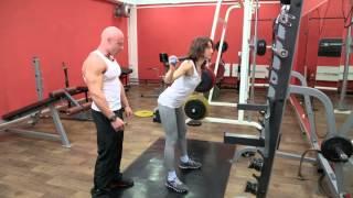 видео Упражнение Наклоны со штангой на плечах