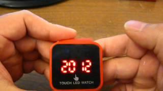 reloj led touch retro