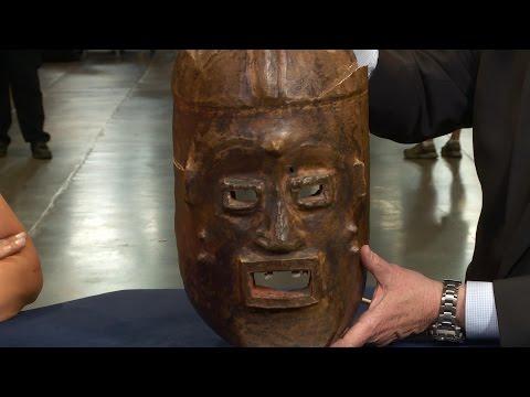 Web Appraisal: 20th Century Widekum Funerary Mask