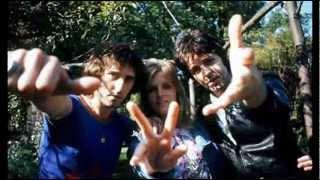 Paul McCartney & Wings - Big Barn Bed