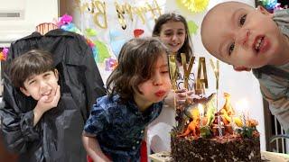 أغرب حفلة بيوم ميلاده السادس!