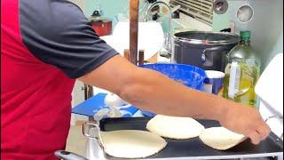 Asi ago las tortillas a mano yo😱 con unos ricos frijolitoa fritos🤭😋 Jose Torres 2021
