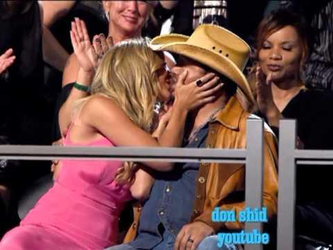 Sensual Kissing Jason Aldean  Brittany Kerr