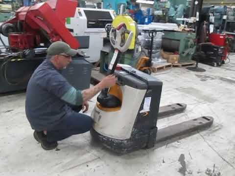 Crown Electric Pallet Jack Demo 4500 Pound Capacity