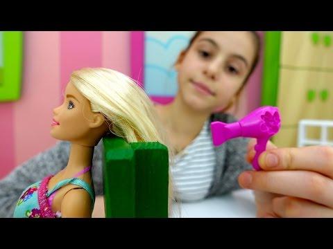 Салон красоты для #Барби💄Новогоднее платье👗 для Барби от лучшей подружки Вики👯