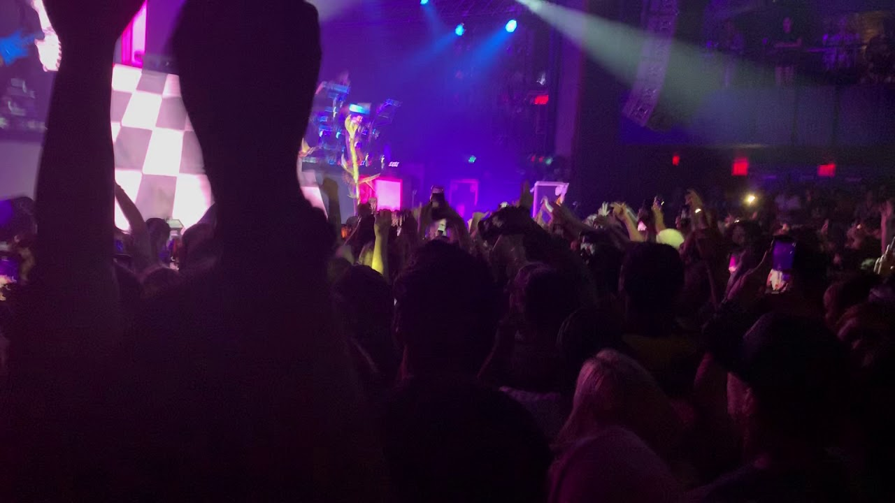 Machine Gun Kelly El Diablo Live Nyc Hotel Diablo Tour Youtube