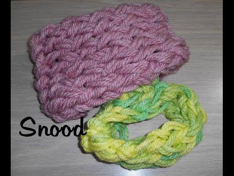 tricoter un collier charpe avec les doigts doovi. Black Bedroom Furniture Sets. Home Design Ideas