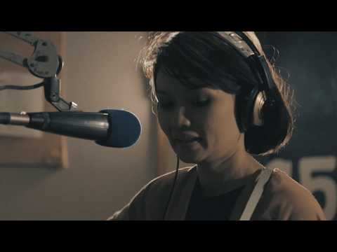 Live and Direct: Bic Runga - Roll into One