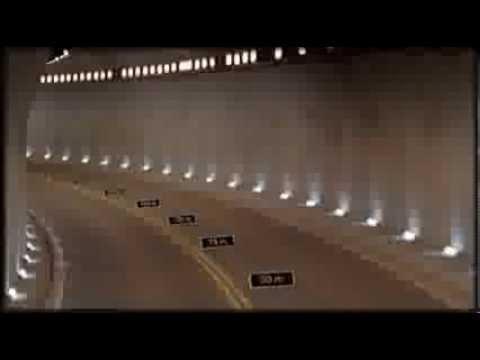 Смертельный трюк на Mercedes SLS AMG за рулем Михаэль Шумахер.