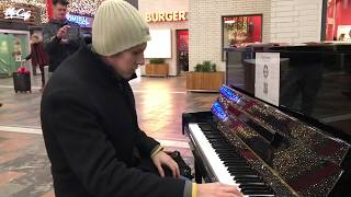 CRAZY POP PIANO MEDLEY [Part 2] at Brunswick Central Station – THOMAS KRÜGER