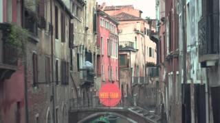 Венеция - город на воде(Венеция - лучший город на Земле. Все, что нужно знать о Венеции , в одном видео Миши Пархоменко. Приятного..., 2015-03-19T15:52:05.000Z)