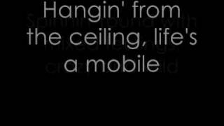 Gambar cover Avril Lavigne - Mobile - Lyrics.