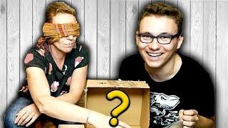 WHAT'S IN THE BOX Z MAMĄ! CO JEST W PUDEŁKU?! - VLOGMAS!