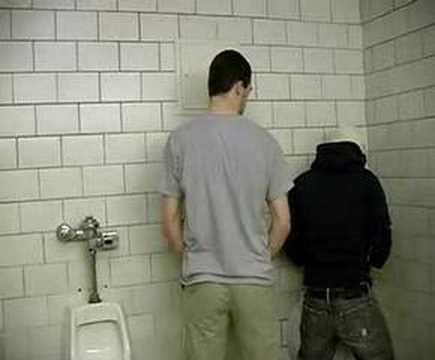 Русские парни в туалете — img 7