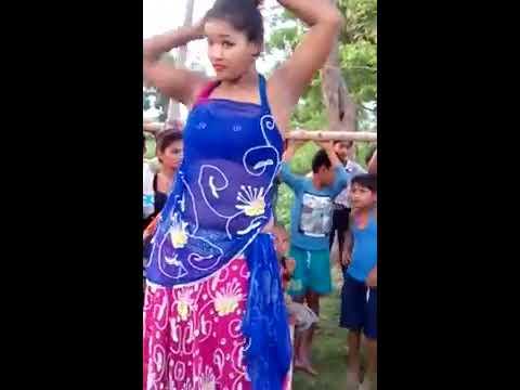 Saas piye bidi sasur piye ganja gaana pe jabardast dance