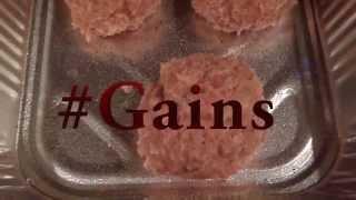 #thehungergains Savory Turkey Meatballs With Zucchini Pasta