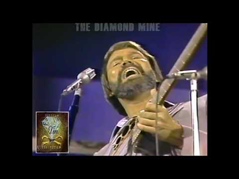 """Glen Campbell Jazz! 1982 with Chuck Mangione ~ """"Land Of Make Believe"""""""
