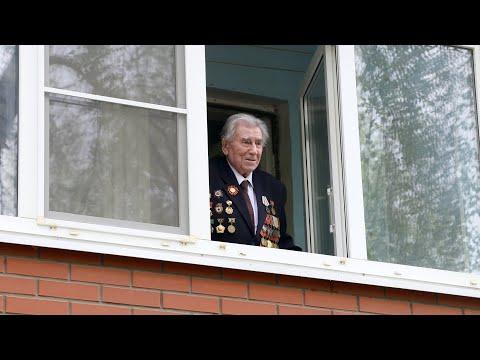 Администрация Луховиц, военнослужащие, соцзащита и волонтеры поздравили ветеранов ВОВ с Днем Победы