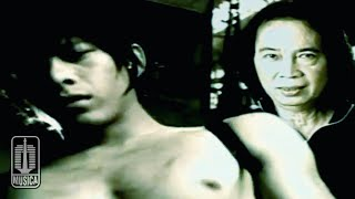 Chrisye Feat. Peterpan - Menunggumu (Official Karaoke Video)
