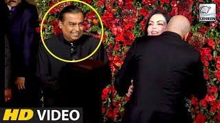 Mukesh Ambani And Sanjay Dutt's Bromance At Deepika And Ranveer's Reception Party | LehrenTV